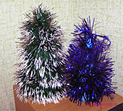 Новогодняя елка из мишуры