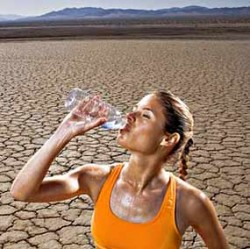 Вода утоляет жажду