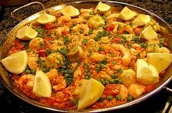 Паэлья с мидиями, перцем и горошком – кулинарный рецепт